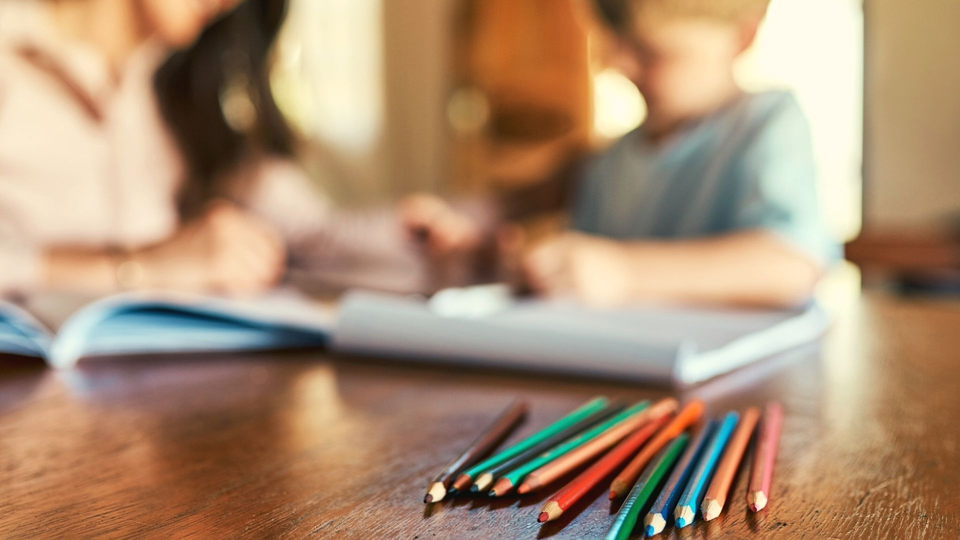 combiner-instruction-en-famille-et-enseignement-du-francais-en-ligne